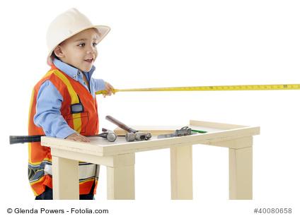 der kinderwerkzeugkasten f r kleine handwerker im haus. Black Bedroom Furniture Sets. Home Design Ideas